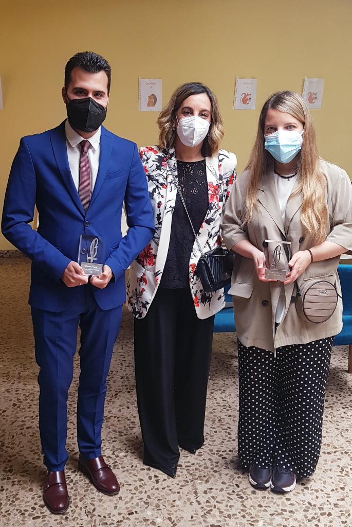David Vicente, Laura Otón y Ángeles Conde en la entrega de los Premios Lolo de Periodismo Joven