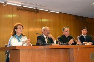 Elsa González, Rafael Ortega, Mons. Ginés García y Álvaro de la Torre en la entrega del V premio Lolo de Periodismo Joven