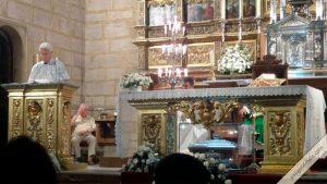José Utrera leyendo la lectura en la misa de aniversario