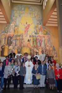 El obispo de Jaén junto a los feligreses devotos del beato Lolo