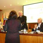 Obispo de Jaén entrega el premio Lolo a María Gómez