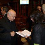 Rafael Higueras entrega las obras de Lolo a María Gómez Fernández