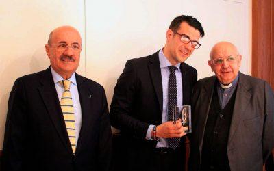 Premio 'Lolo' de Periodismo Joven (Nota al pie, por José Beltrán)
