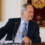 El director de «Alfa y Omega» recuerda en la verdadera misión de los medios de comunicación al servicio de la verdad