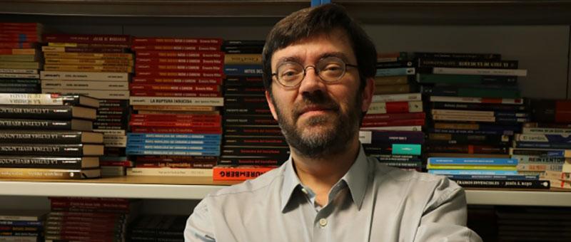 Pablo J. Ginés recibe el Premio Lolo de Periodismo Joven