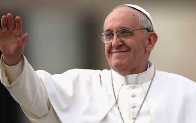 Que el periodismo favorezca la cultura del encuentro, dijo el Papa a los periodistas