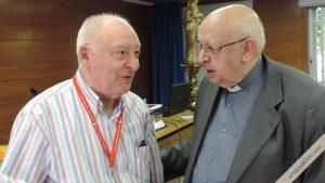Monseñor Redrado conversa con Rafael Higueras