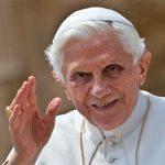 Oremos por Benedicto XVI